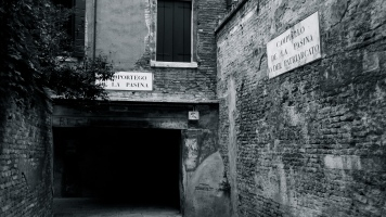 Underpass and street signs, Santa Lucia, Venice