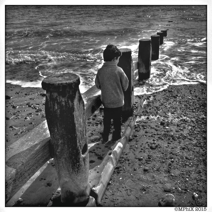 Raef at the beach BW_MPHIX