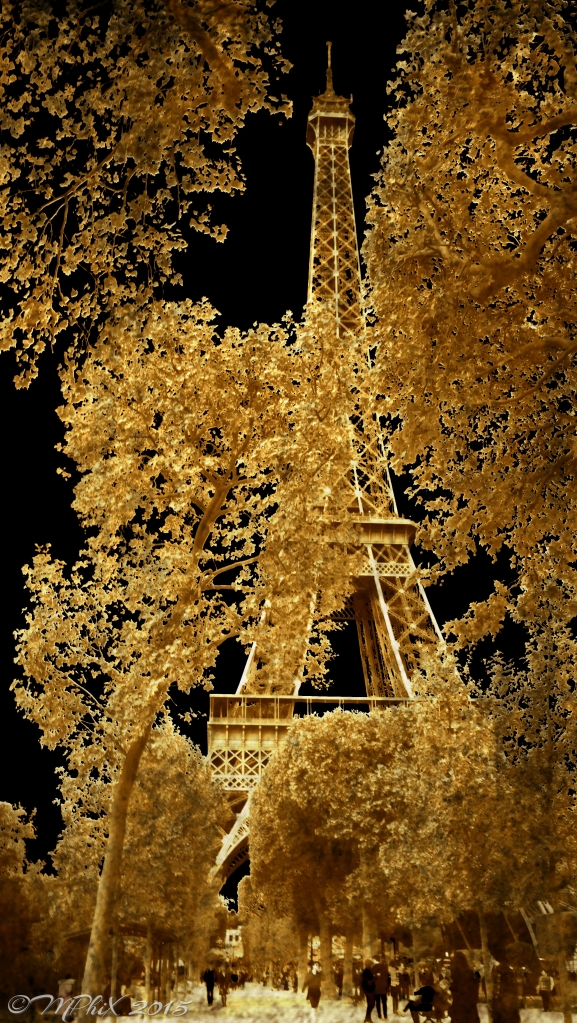 Eiffel Tower Etched Gold_MPHIX